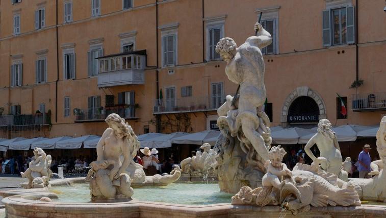 Slavni kipi, ki lulajo (foto: Profimedia)