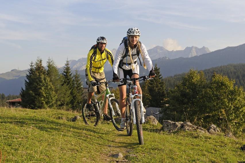 6 pozitivnih učinkov rednega kolesarjenja (+ najlepše kolesarske poti)