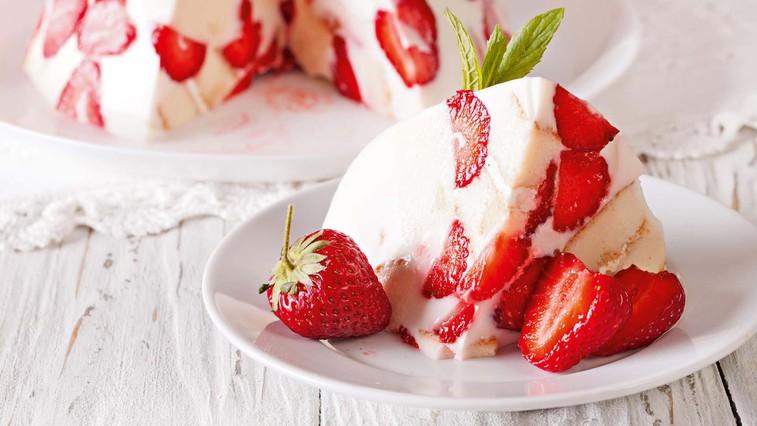 Kremna torta z jagodami (foto: Profimedia)