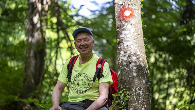 Delo junakov: za kar 1700 planinskih poti po Sloveniji skrbi le 807 markacistov (foto: Danijel Čančarević)