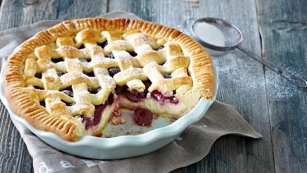 Ideja za sladico: Skutna pita s sadjem (foto: Profimedia)