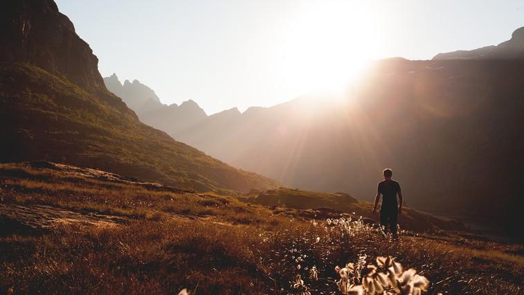 6 razlogov, zakaj bi morali večkrat sami v naravo (foto: pixabay)