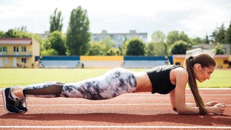 Kaj morate vedeti, preden se lotite izziva s plankom? (foto: profimedia)