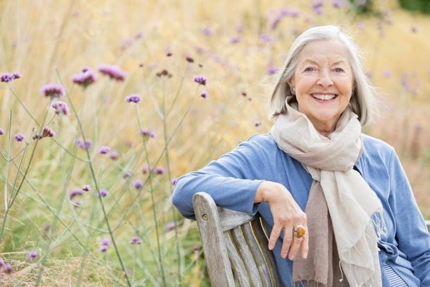 STARATE SE Staranje je proces, pred katerim si radi zatiskamo oči in poskušamo vse, da bi proces zakasnili. Kakorkoli se …