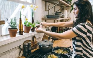 9 odličnih živil, ki lahko pomagajo pri hormonskem neravnovesju