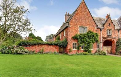 Hiša iz serije Peaky Blinders na prodaj za 626.000 eurov