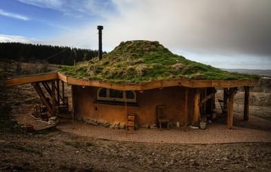 Prespite v  hobbitovi hiški na Škotskem