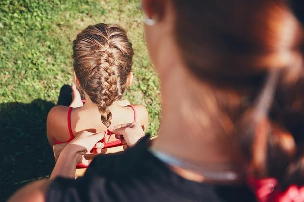 Procesa izpadanja las ne morete povsem ustaviti, saj jih na dan izgubimo med 50 in 100. To je povsem naraven …