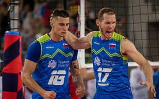 Slovenija je v velikem finalu! Čestitamo našim fantom, trenerjem in navijačem!