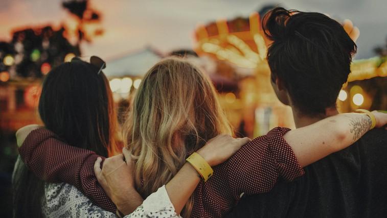 Zapustila je najboljše prijatelje in se ni ozirala nazaj (zakaj bi to morali storiti tudi vi?) (foto: profimedia)
