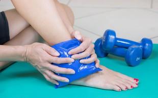 Športne poškodbe: kdaj pomagajo hladni in kdaj topli obkladki?