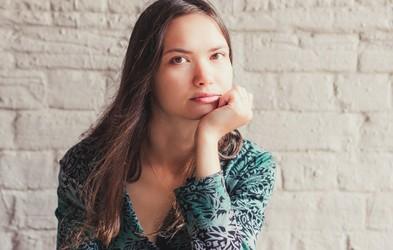 3 dejavniki, ki vplivajo na negativno samopodobo (in vaše negativne misli o sebi)