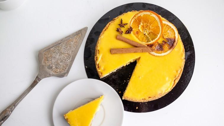 Slastna pomarančna pita z mandljevo podlago (foto: Shutterstock)