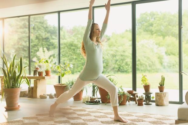 Zdrave nosečnice bomo s temi razlogi prepričali, da se tudi v tem obdobju odločijo za vadbo, ki bo pomagala tako …