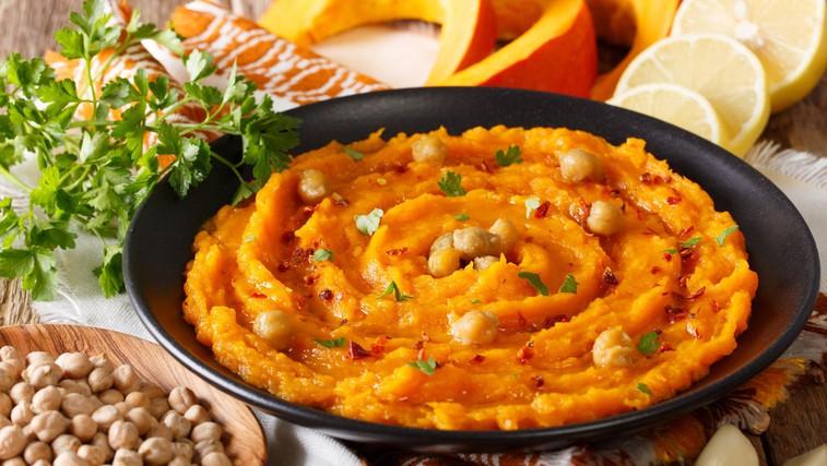 Zdrava malica ali zajtrk: domači bučni humus (foto: profimedia)