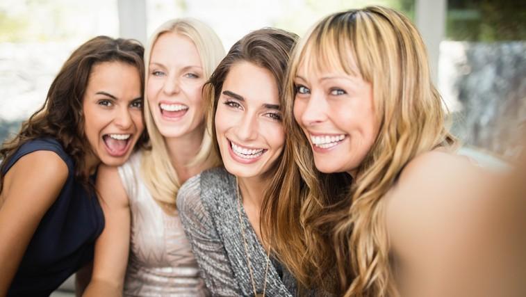 26 dejstev o ženskah: Le 2% žensk meni, da so lepe in na dan izrečejo 13.000 besed več kot moški (foto: profimedia)