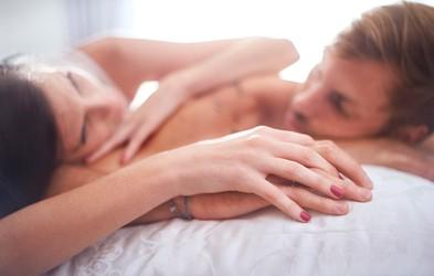 5 znakov, da imata s partnerjem resne težave z zaupanjem