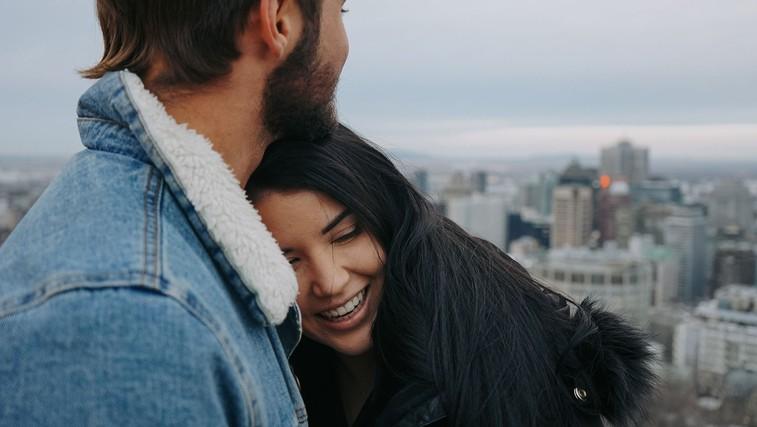 Ali pri partnerjih pravzaprav ves čas izbiramo isti tip osebnosti (foto: Lauren Richmond | Unsplash)