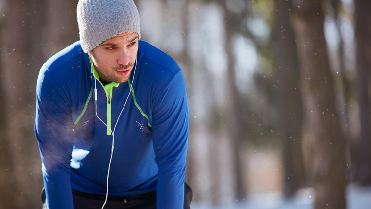 Mraz, dihala in pekoč občutek v prsih - je sploh priporočljivo teči pozimi? (foto: Profimedia)
