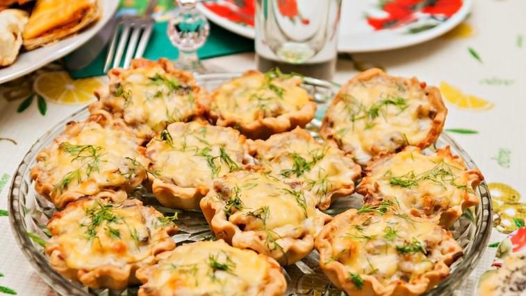 Ideja za praznično kosilo ali večerjo (juha, glavna jed in prigrizek) (foto: Profimedia)