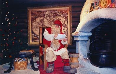 NAPAPIIRI - Božičkova vas, kjer že od leta 1950 deluje čisto prava Božičkova pošta