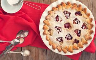 Praznično sladkanje: Hrustljava brusnična pita