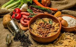 6 priljubljenih jedi s fižolom, ki je odlično nadomestilo za meso (+recept za prebranec)