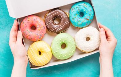 Kako nadomestiti dodan sladkor z zdravo hrano, ne da bi ga preveč pogrešali?