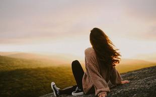 Povežite se s svojimi mislimi in čustvi: 28 stvari, ki jih lahko počnete sami
