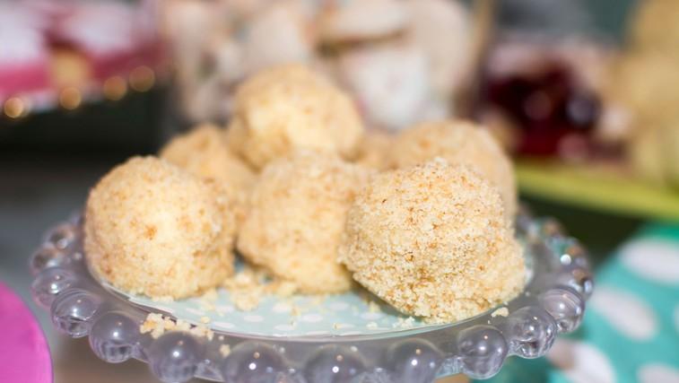 Sladkanje v 10 minutah: Cheesecake hrustljavčki z mandlji (foto: Profimedia)