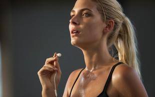 Kako se lahko zaščitite proti aknam, ki jih povzroča športna aktivnost (potenje)?