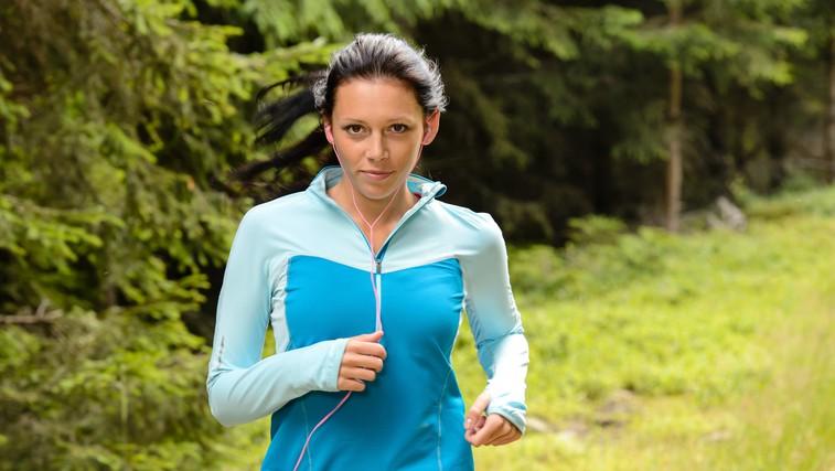 Kraški mali maraton se bliža! Ste že v tekaškem ritmu? Preberite ZAKAJ in KAKO morate teči v klanec in navzdol (foto: profimedia)