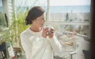 3 jutranji napitki, ki vas prebudijo bolj kot skodelica kave