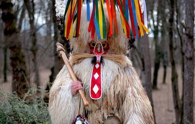 Strah pred (pustnimi) maskami izvira iz otroštva