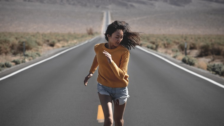 Ali bežite sami pred seboj? (foto: pexels)
