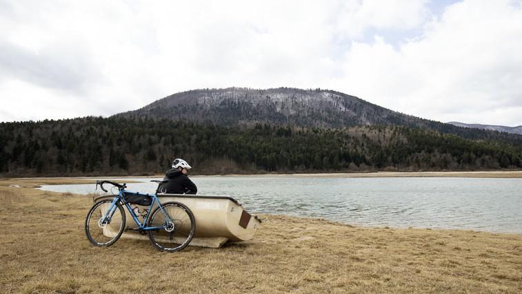 Včasih je bolje zaviti na manj uhojeno pot (preizkusite tole aktivnost v naravi!) (foto: Danijel Čančarević)