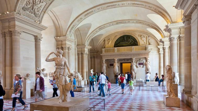 Kam danes z varnega kavča? V pariški Louvre na virtualni sprehod po oddelku egipčanske umetnosti (foto: profimedia)