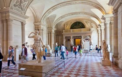 Kam danes z varnega kavča? V pariški Louvre na virtualni sprehod po oddelku egipčanske umetnosti