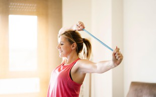 VIDEO: Katere so največje napake, ki jih delamo pri vadbi? (odgovarja osebna trenerka pri Moj aktivni plan 2020)