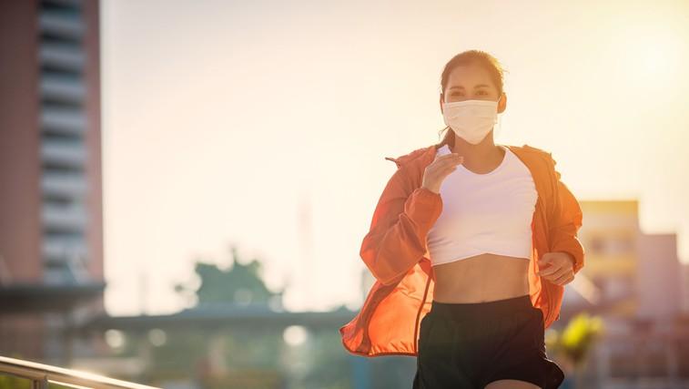 Pozitivne novice: Kitajska se vrača v normalnost - na ulicah Chengduju 1000 tekačev (foto: profimedia)
