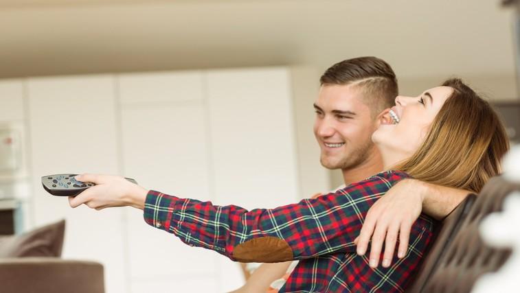 Trenutno je televizija lahko vaša dobra prijateljica, a pri tem nujno ohranite zdravo pamet (poglejte, kako) (foto: PROFIMEDIA)