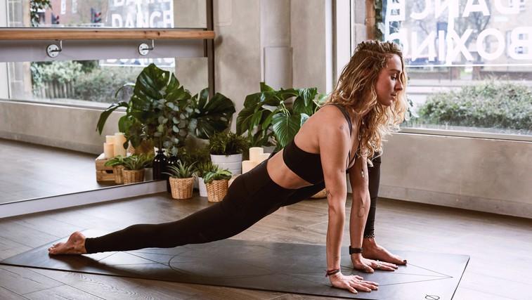 4 joga vaje za kurjenje maščob (tudi za začetnike) (foto: Unsplash)
