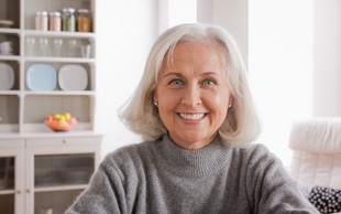 10 navad ljudi, ki se lepo in počasi starajo (in se tudi v izolaciji veliko smejijo)