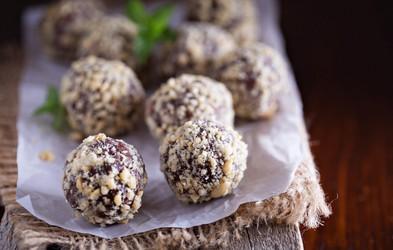 Recept za energijski zajtrk: kroglice iz arašidovega masla