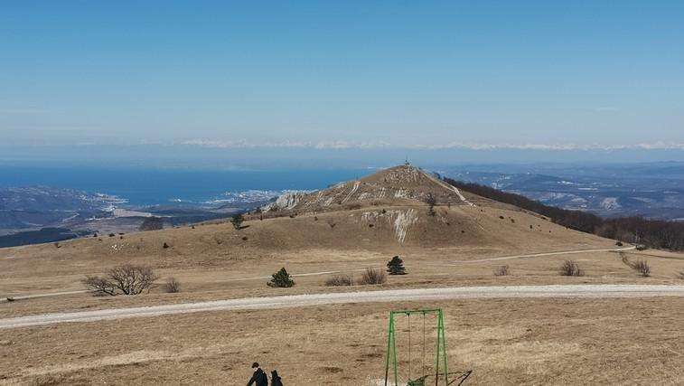 Ideja za družinski izlet: Slavnik - prijeten vzpon v naravni park s čudovitimi razgledi (foto: DDD)