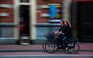 Svoboda, ki jo lahko začutiš le na kolesu (in kako so sufražetke s kolesom našle svoj stroj svobode)