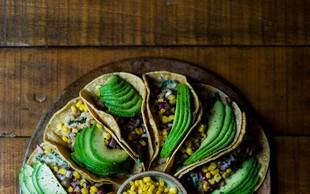 Piščančji wrap z avokadom (+ recepta za domačo salso in tortiljo!)
