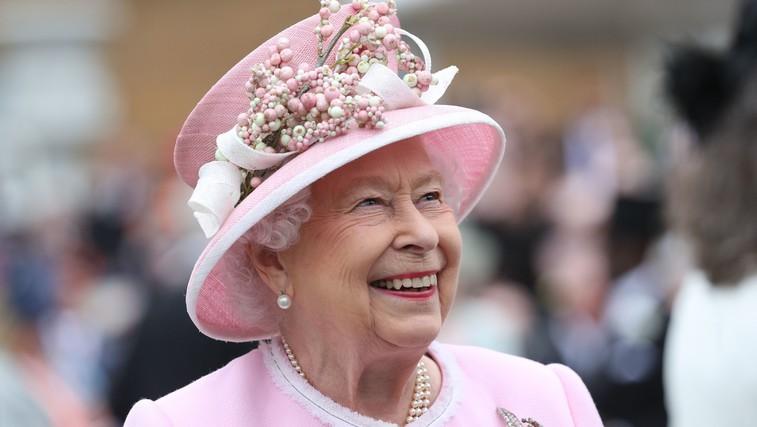 Slaščičar kraljice Elizabete II je razkril recept za slastno čajno pecivo, ki ga pripravlja za kraljevo družino (VIDEO) (foto: Profimedia)