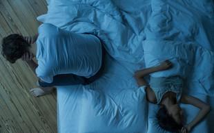 Kako prelisičiti možgane, da se boste končno dobro naspali? Tu je trik, ki vas uspava v minuti!