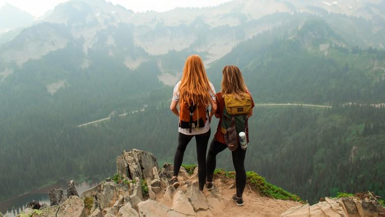 Po druženju s pravimi prijatelji ste polni energije (in ne izčrpani) (foto: UNsplash)